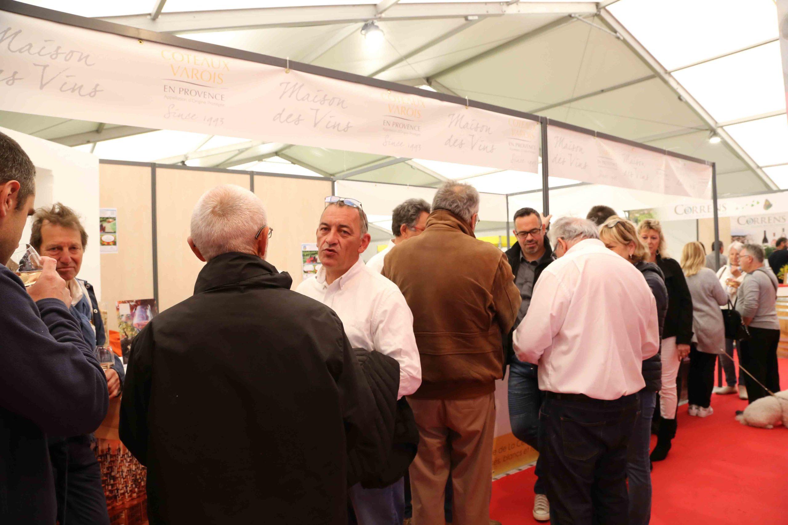 Stand-Maison-des-vins-Foire-de-Brignoles