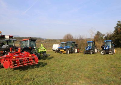 Tracteurs-démonstration-foire-de-brignoles-viticulture